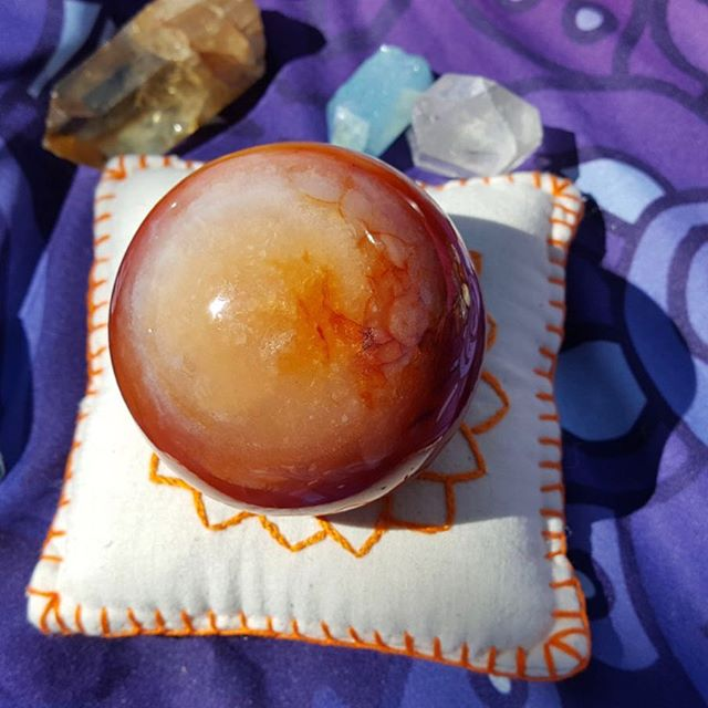 Many find Carnelian to be energizing, but I find it to be comforting. It resonates with the Sacral Chakra, and can help this energy center to come into balance just by being near.  Carnelian emits nurturing and creative energy, helping to connect you to the Divine spark of creation. If you are seeking a solution to create, working with Carnelian can help you discover what it should be. 🧡