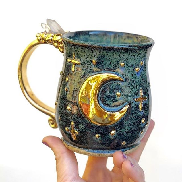 Stunning cosmic crystal cup from @lalepottery. 😍 I have yet to acquire one of her pieces, but it's on my list! I have a large mug and teapot collection, and this would be a lovely addition.