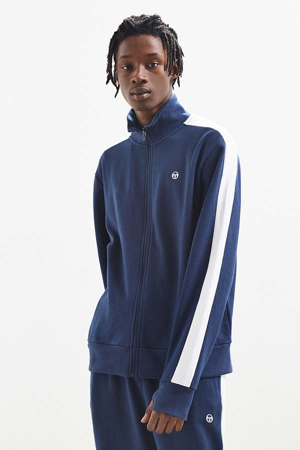 7b059273 Comfy Meets Trendy. Athleisure Looks For The On The Go Guy ...