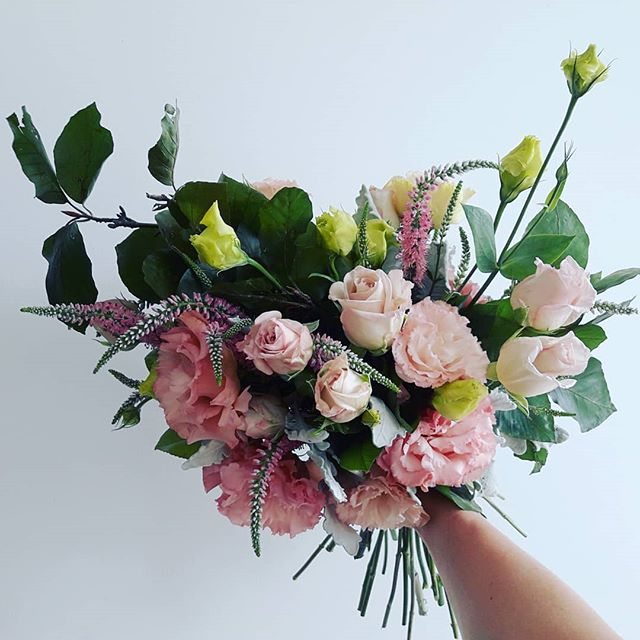 ·GIVEAWAY·  Want free flowers?! Just follow us  and tag 3 friends to enter the draw to win a bouquet valued at $50. Yep! That's it! *delivery within 20km of melbourne only. Winner will be drawn on Wednesday 1st of March. . . . . . . #giveaway #free #freestuff #dealoftheday #deliverymelbourne #flowerdelivery #delivery #competition #florist #floristmelbourne #flowersofinstagram #dailydeals #floweroftheday #Footscray #melbourne #bouquet