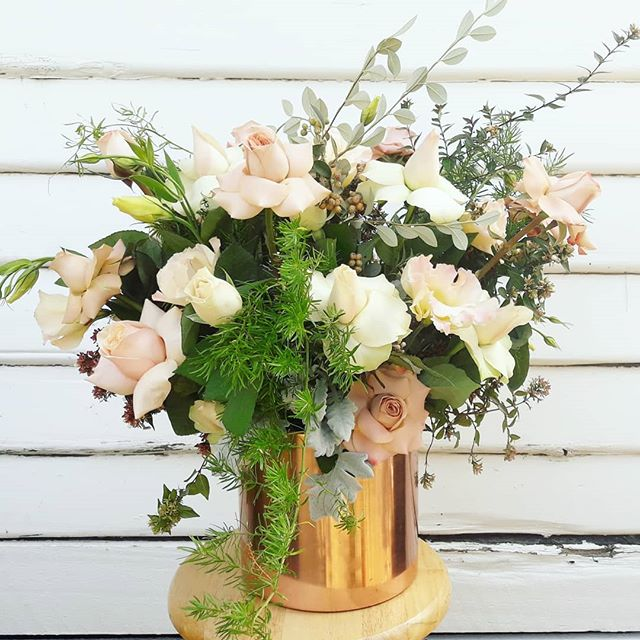 ·SOFT AND PASTEL· #gertrudejekyllstudio #melbourneflorist #melbourne #sunshine #footscrayflorist #footscray #flowerdelivery #pickofday #giftideas #blush #rose