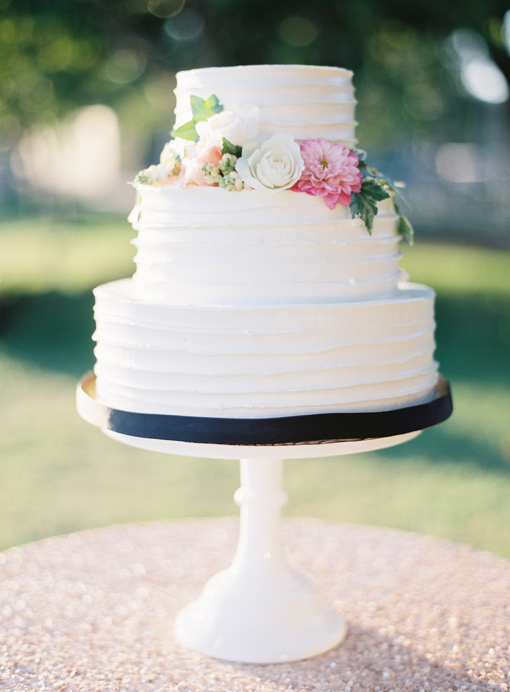 buttercream-wedding-cakes02.jpg