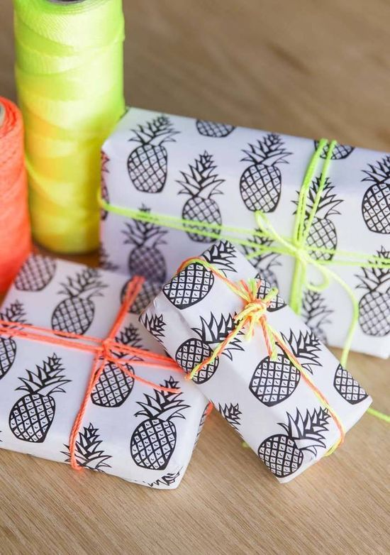 Gift Wrapping Kira
