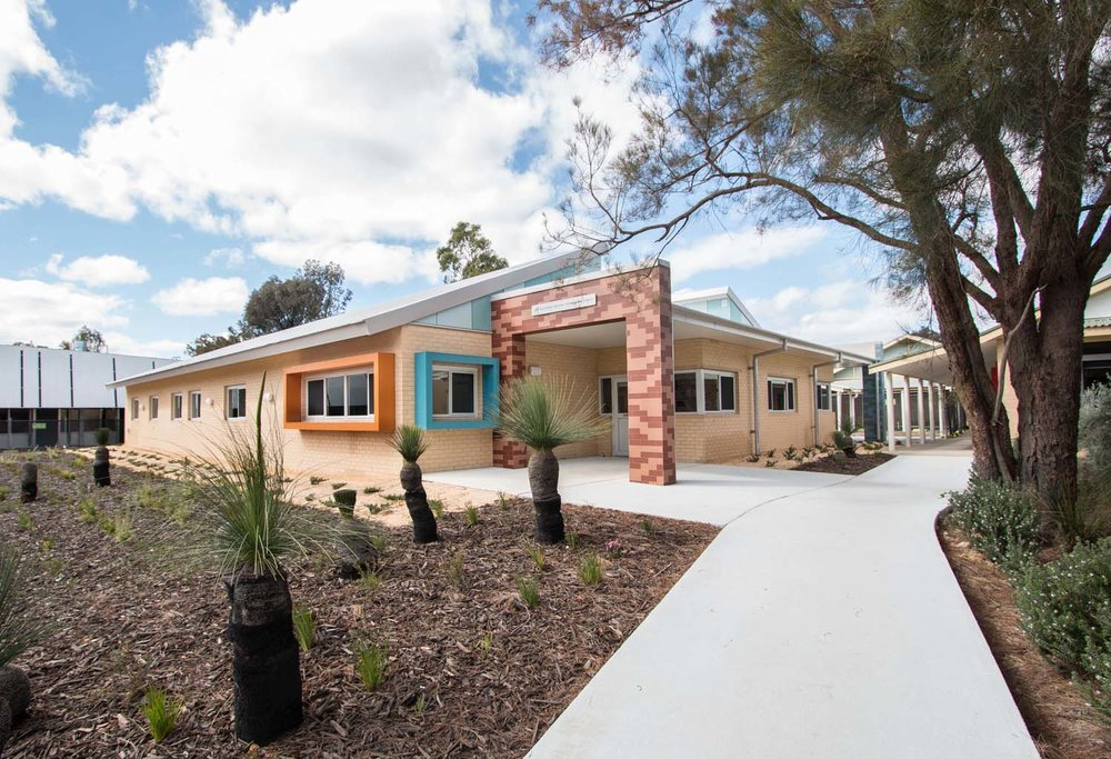 architect-architecture-administration-schools-light-western-australia- matthews-scavallil-office-staff-grasstrees-grass-trees-landscaping.jpg