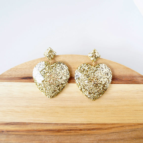 Pirdy-Resin-Heart-Earrings-in-Gold-Glitter..jpg