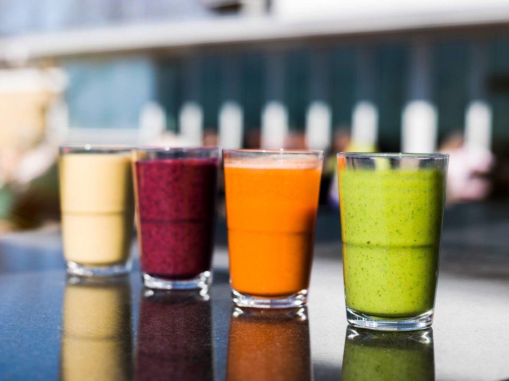 Juomat - HEKUMALLISET VIINIT JA RAIKKAAT SMOOTHIET