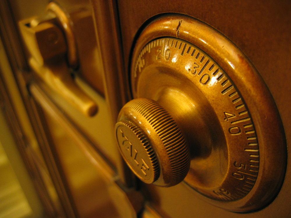 security & privacy Lees hier meer over hoe wij de veiligheid en privacy waarborgen van onze software en de persoonsgegevens die erin worden opgeslagen. Lees meer over onze organisationele maatregelen en processen op gebied van security en privacy.