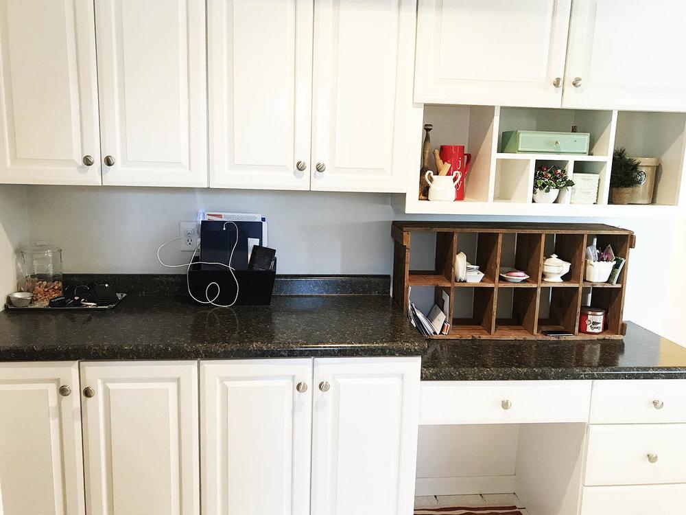 kitchendesk.jpg