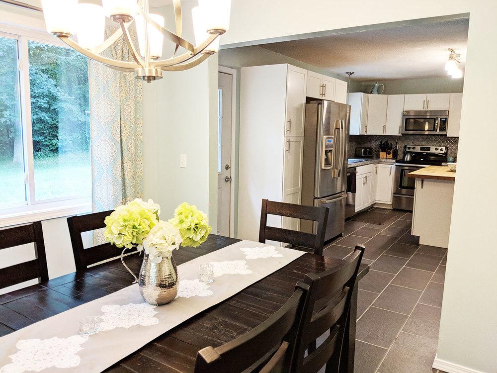 dining.kitchen.jpg