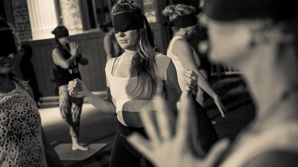BlindfoldedYoga+Aos_Brisbane2016_042.jpg