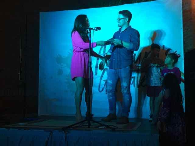 Host Elaine Keltz & Taylor Hart