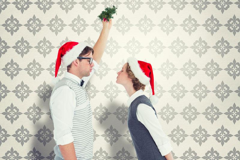 mistletoe-kissing.jpg