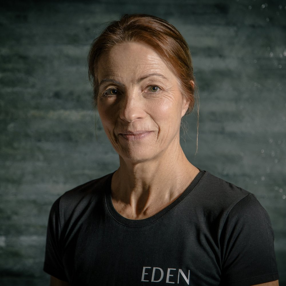 Roz Gerber SPECIALIST AREAS: • Swimming Lessons • Short & Long Distance Running • Over 50s Training • Functional Training & HIIT • Power Plate &Pre/Post-Natal Roz' mission is simple: to improve your overall wellbeing while not only achieving results but having fun in the process. Working both indoors and outdoors and encouraging others to do what they thought they couldn't! More