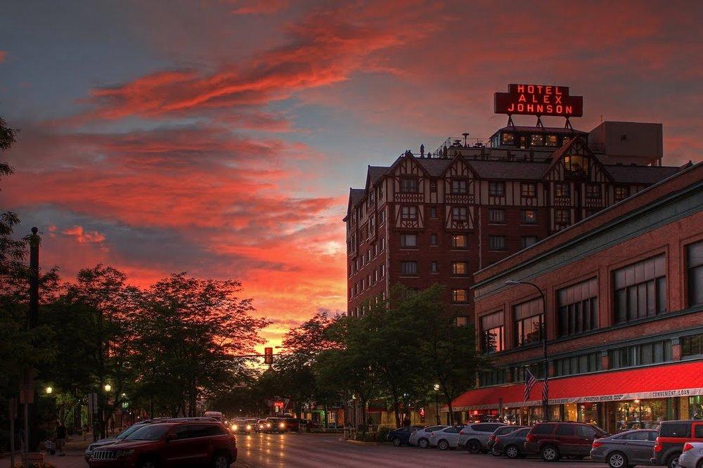 hotel alex johnson, rapid city, south dakota (image via google image search)