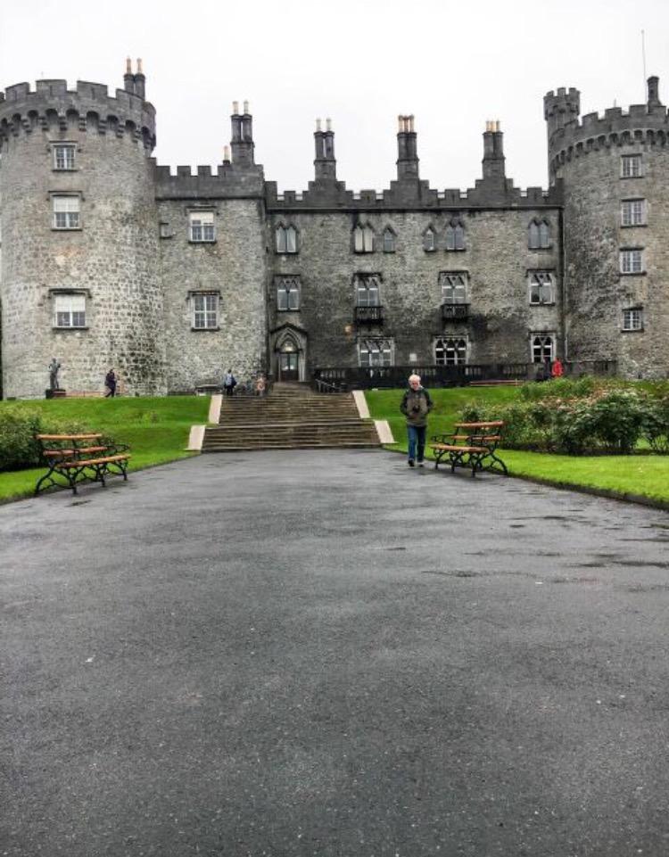 kilkenny-castle-ireland.jpg