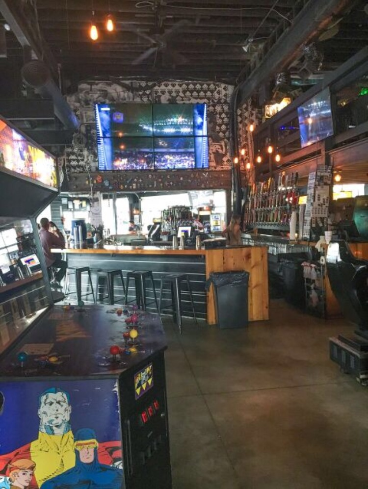 kansas-city-updown-arcade-bar