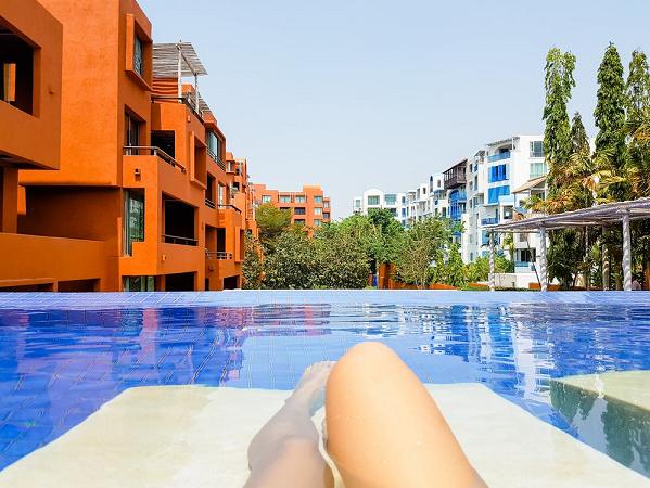 sunbathe-staycation