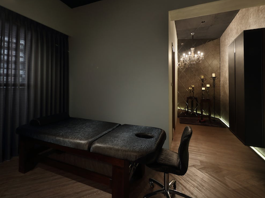 massage-staycation