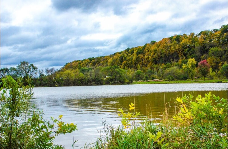 Looking for a great scenic drive in the USA? US Highway 52 along the Mississippi River in Iowa is beautiful!
