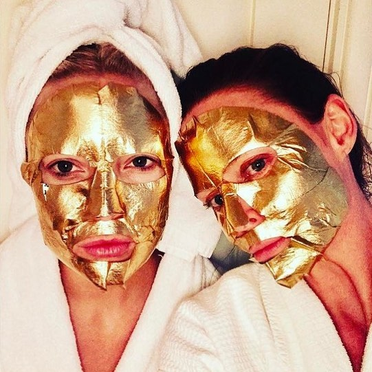 Gold on skincare? Why not! Find out what exactly does gold do for your skin, now up on the blog!