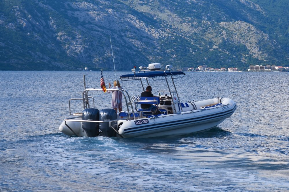 SPECIFICATIONS - CATEGORY: Motor boat/Sports boat BRAND & MODEL: ASIS 950YEAR BUILT: 2016LENGHT: 9.50 mBEAM: 3.17 m ENGINE: 2 x 300 hP PROPULSION: Petrol outboard