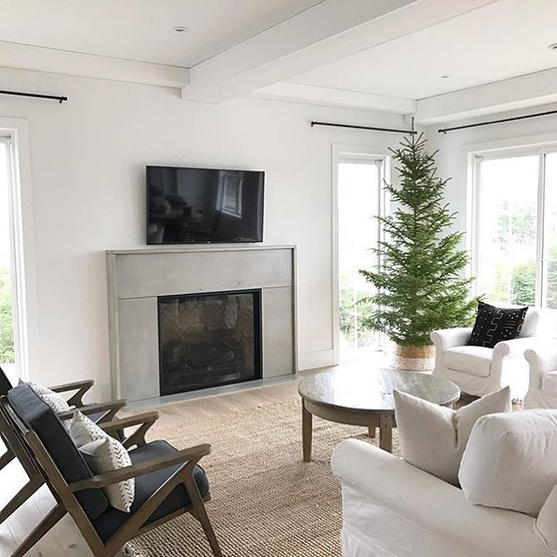 We installed this custom fire surround designed by @whiteoakliving just in time for the holidays. Love how it turned out! Make sure to follow along as she styles her beautiful new space 🏡