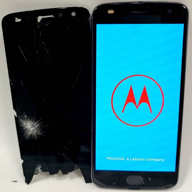 Motorola Z2 Play XT1710 Screen Replacement #cellphonerepair #cellphonerepairs #phonerepair #phonerepairs #jimmycarter #norcross #norcrossga #atlanta #atl #georgia #ga #tucker #tuckerga #sameday #iphonerepair #samsungrepair #lgrepair #cellphoneaccessories #carmount #bluetooth