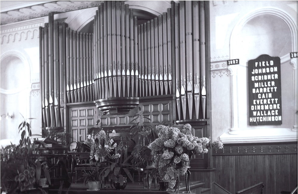 First Presbyterian's original pipe organ was installed in 1901 at a cost of $2,700.