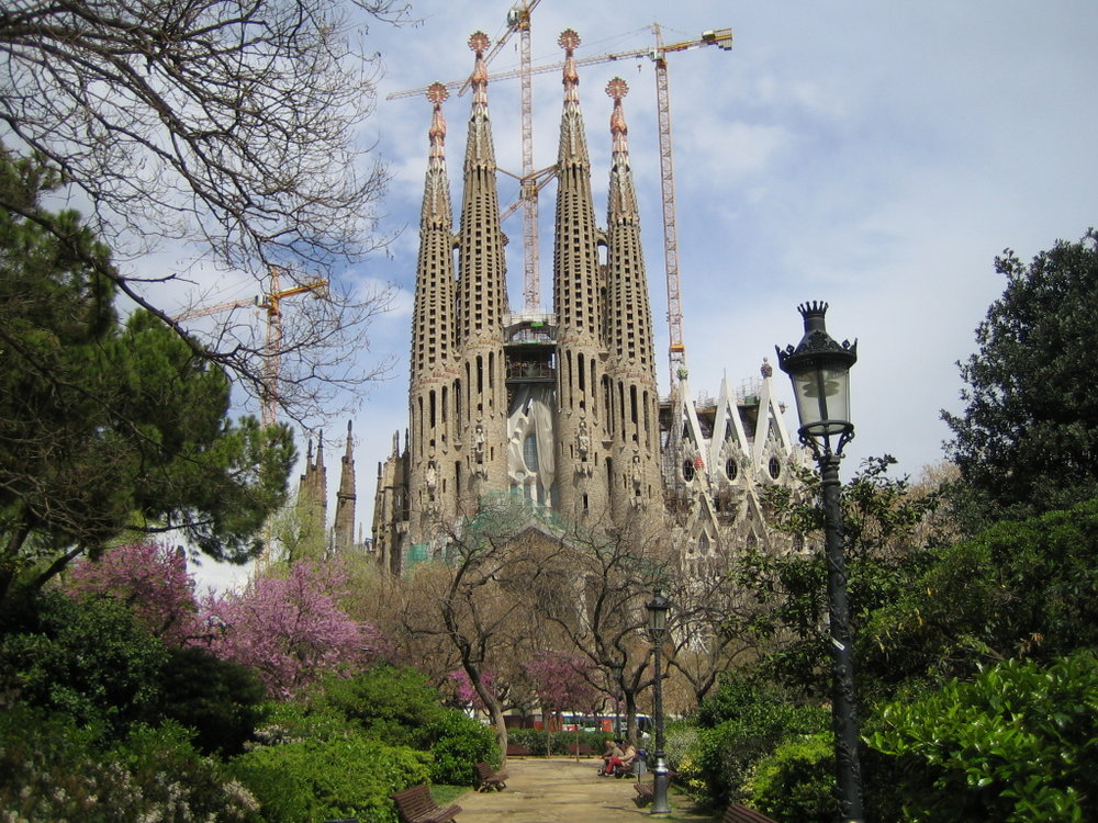Barcelona_Gaudi_cathedral.jpg