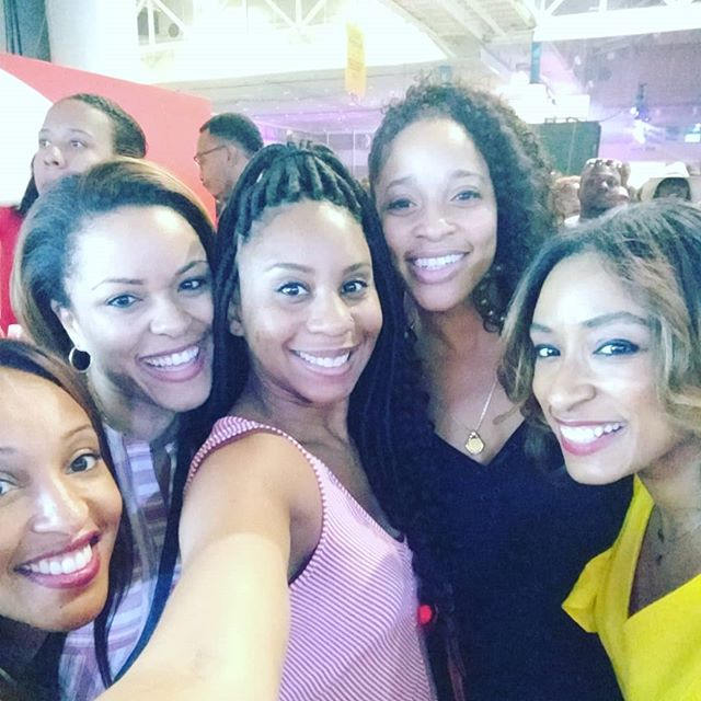 Experiencing #EssenceFest with this lovely group of ladies. - #essencefestival #essence #neworleans #nola #summeroffun #sisterhood #womensupportingwomen