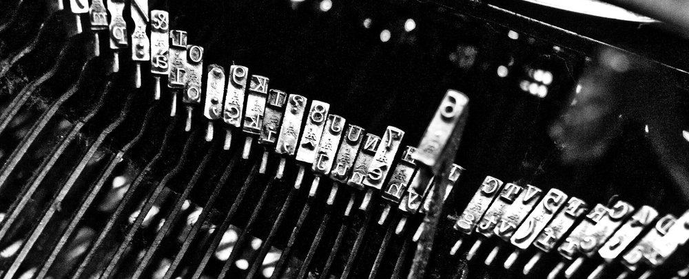 Typewriter.  By  Mattia Voltolini , licensed under  CC BY-NC 2.0 .