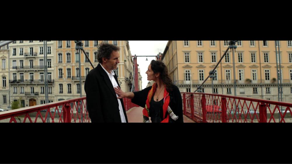 Mandorla - Ernesto and Queen on Bridge.png