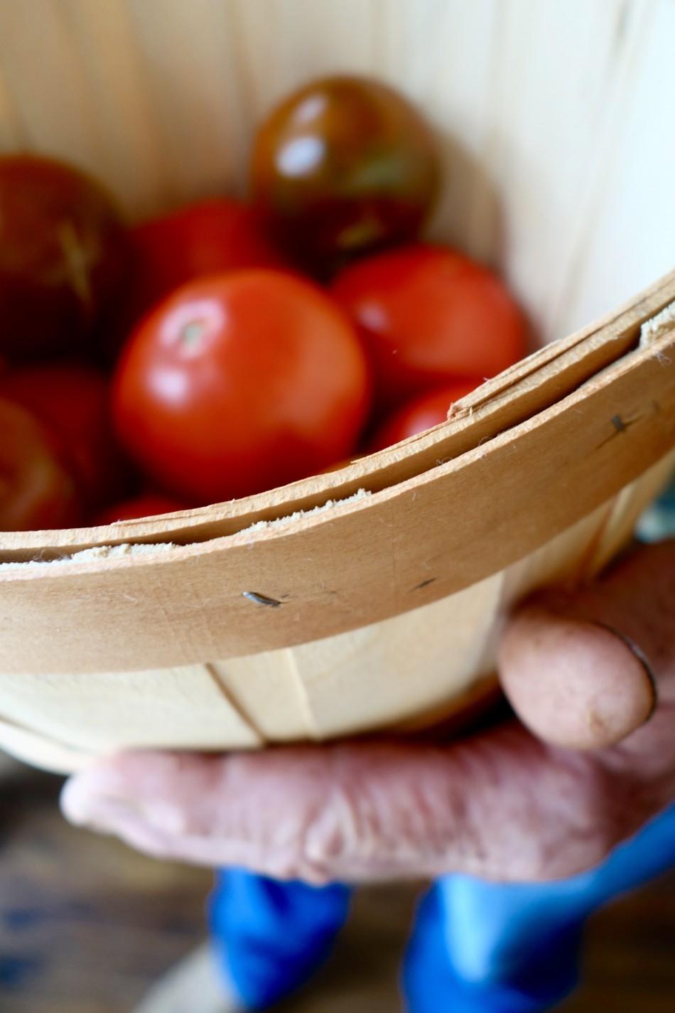 farm-hands-small-food.jpg