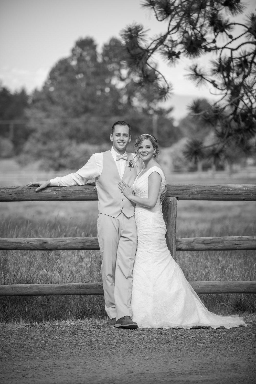 Bend-Oregon-Wedding-Rustic-Chic-Lacey-Krystian-Sauvage-Fleur-Design