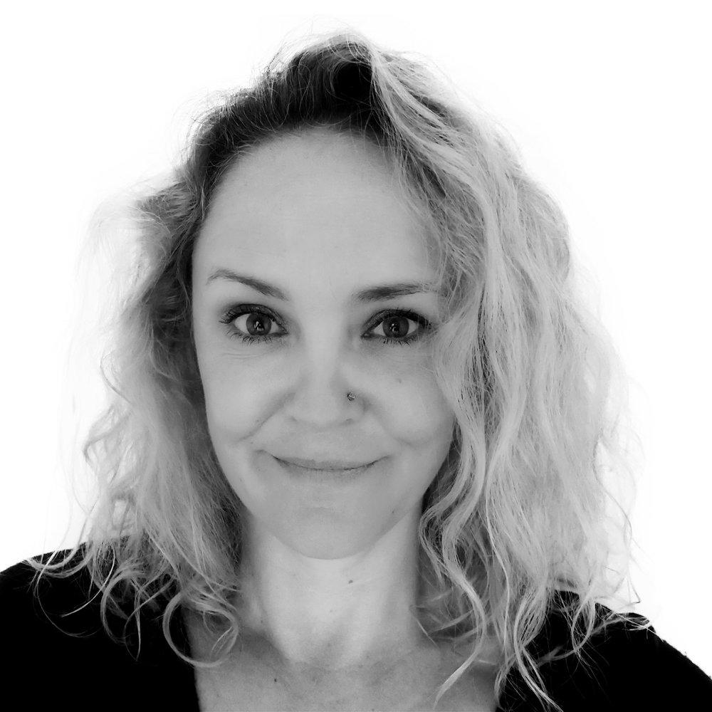 Justine Dunn - Writer