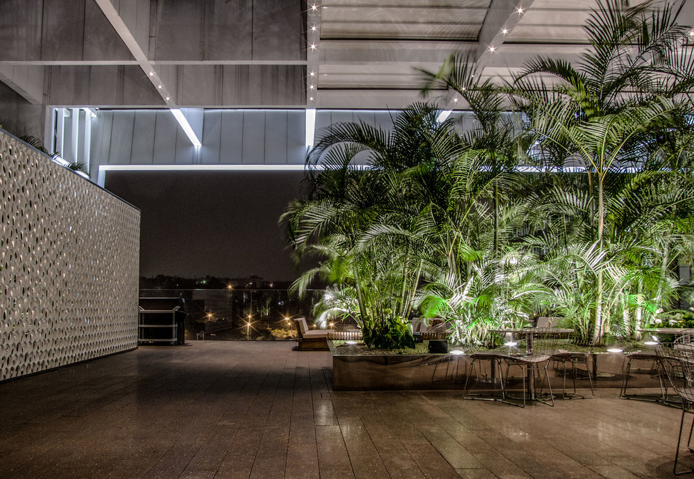 LIGHTSOURCE_JK-Iguatemi _ Mingrone-iluminação_Studio-Arthur-Casas_002.jpg
