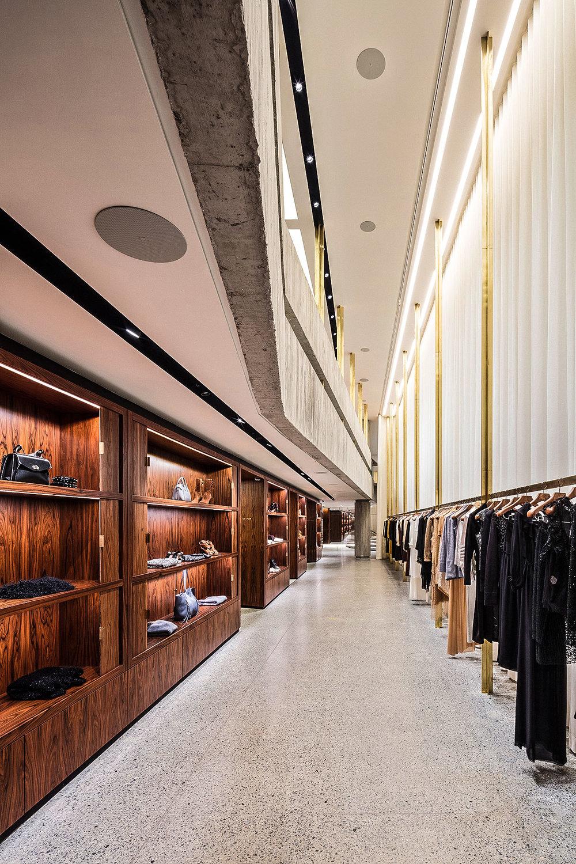 LIGHTSOURCE_NK-Store-2018_Estudio-Tupi_Carlos-Fortes_006.jpg