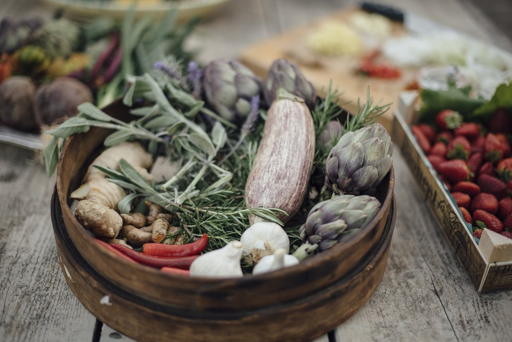 - NEWS FROM OUR KITCHENOur tasty, flavorsome cuisine consists of organic produce, is vegetarian and alcohol free. Fresh, locally sourced fish may be served if available.