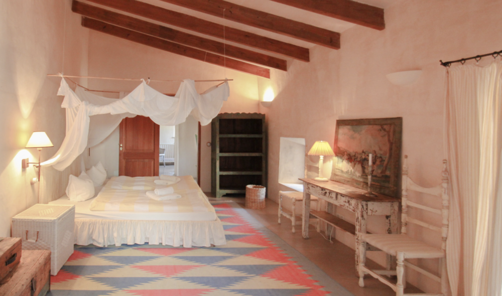 VALLEY GATE Spacious double room  4 Day Programme 1300 € p.p. 7 Day Programme 2300 € p.p.