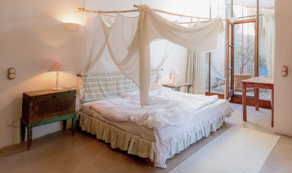 BRIGHT LIGHT Spacious double room  4 Day Programme 1300 € p.p. 7 Day Programme 2300 € p.p.