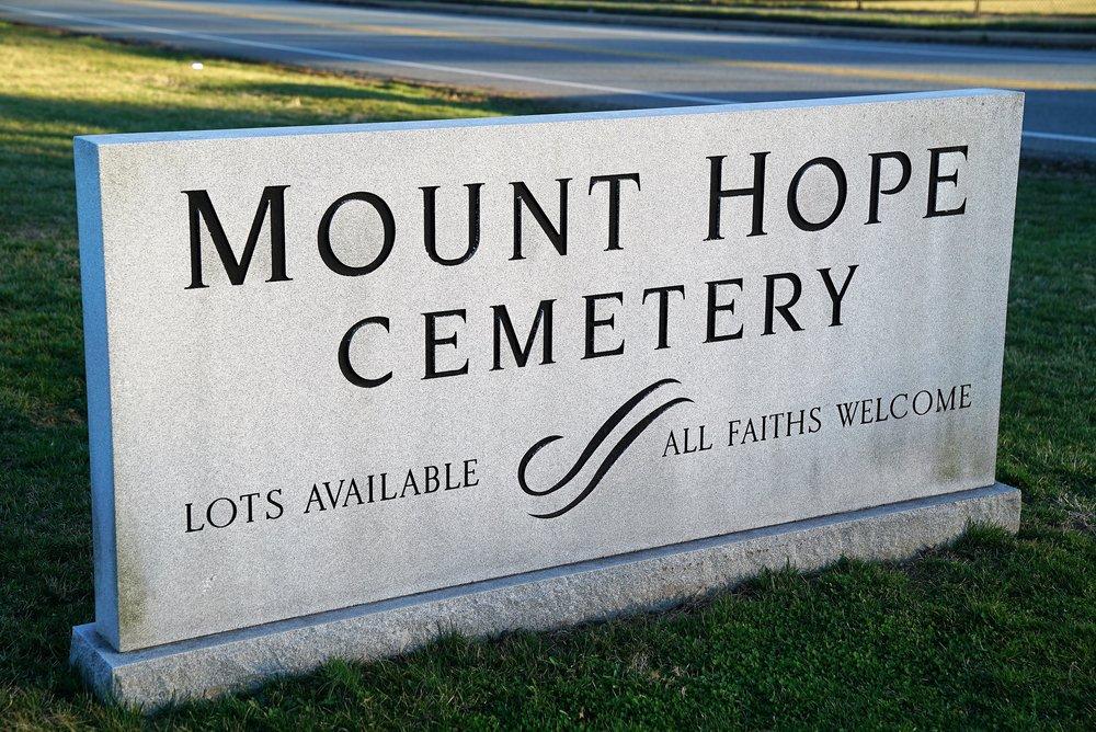 Photo: Mount Hope Cemetery. Aston, Pennsylvania.