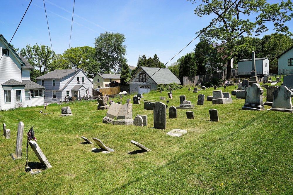 Mount Pleasant Cemetery. Wayne, Pennsylvania.