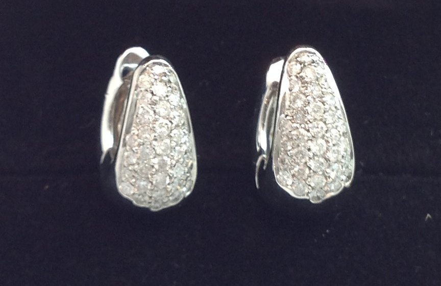 18kt White Gold Diamond Huggies