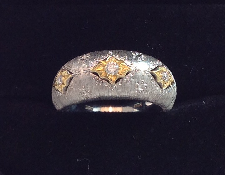 18kt White Gold with Yellow Gold & Diamond Ring