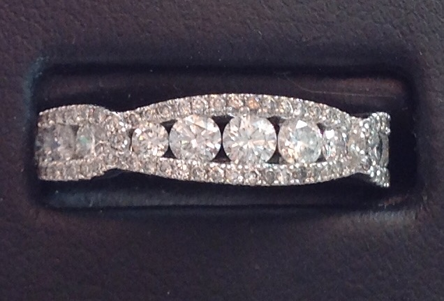 18kt White Gold Diamond Ring