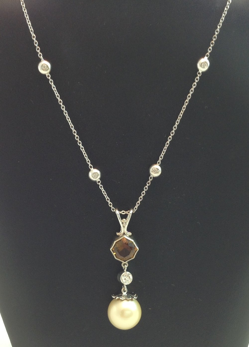 South Seas Pearl Pendant & Chain