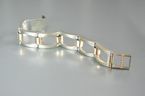 Cool Blast - Handmade link bracelet with 2.5 ounces of sandblasted white gold and bright polished yellow gold and with 2.40 ct. t.w. burnished diamonds (VS, G-H)