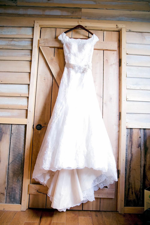 Wedding dress, wedding gown, wedding details