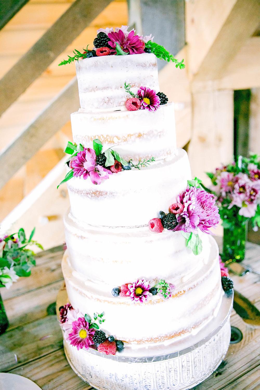 Wedding cake, tiered cake, wedding details