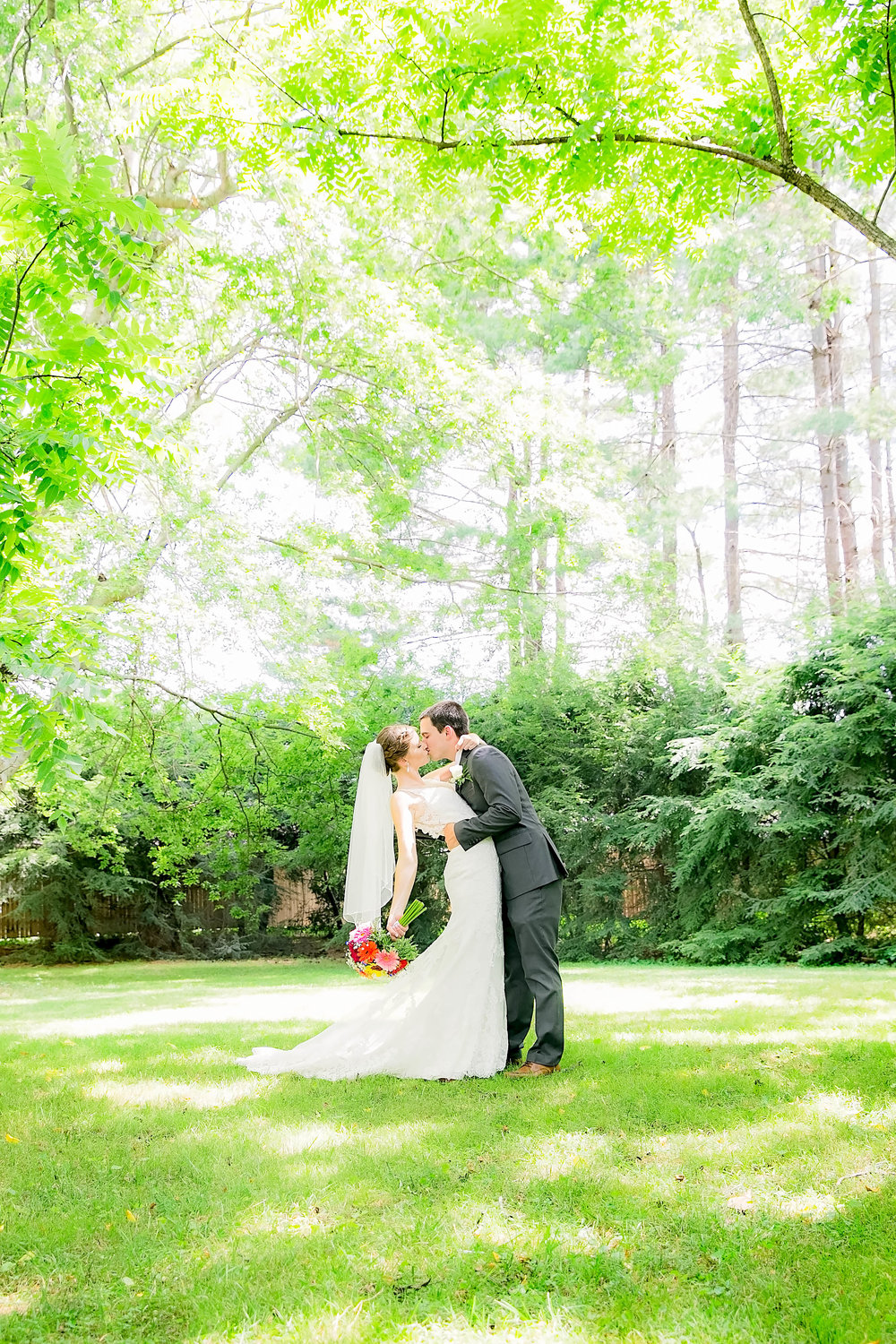 Hot Springs, NC wedding, East Tennessee Wedding photography, bride and groom romantic kiss